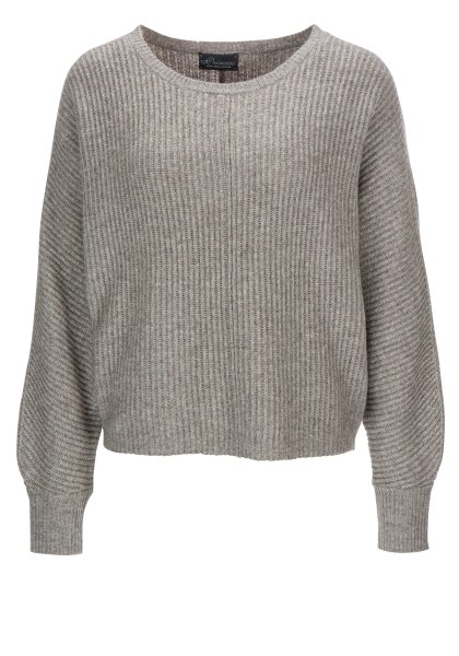 Princess goes Hollywood boxy pullover structure